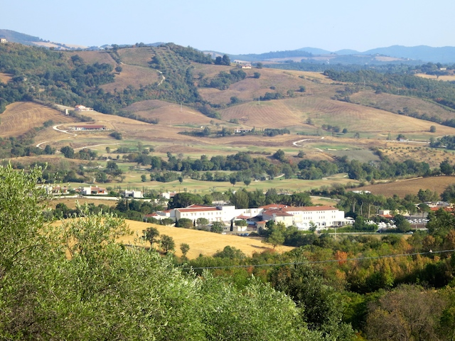 Celebrity swag includes luxury travel, Tuscany