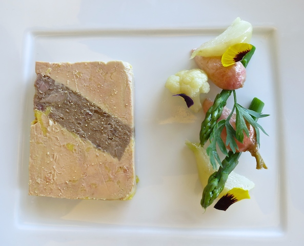 How I afford luxury travel, lunch at Hotel Paris Monaco