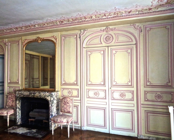 Visiting Versailles on private tour, Mme du Barry (1)