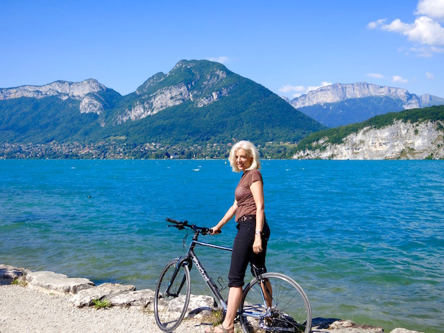 Cycling to stay healthy while traveling