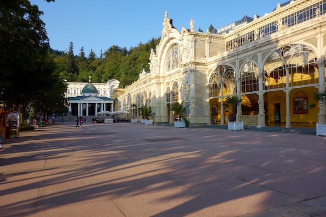 colonnade-in-marienbad-the-easy-way-to-spa-in-marianske-lazne
