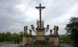 outside-notre-dame-des-bons-avignon-cathedral