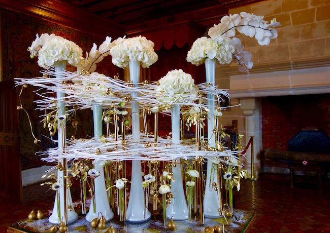 Chateau de Chenonceau beautiful flowers