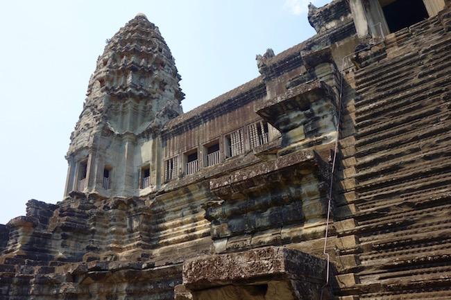 Guide to Angkor Wat, steep steps