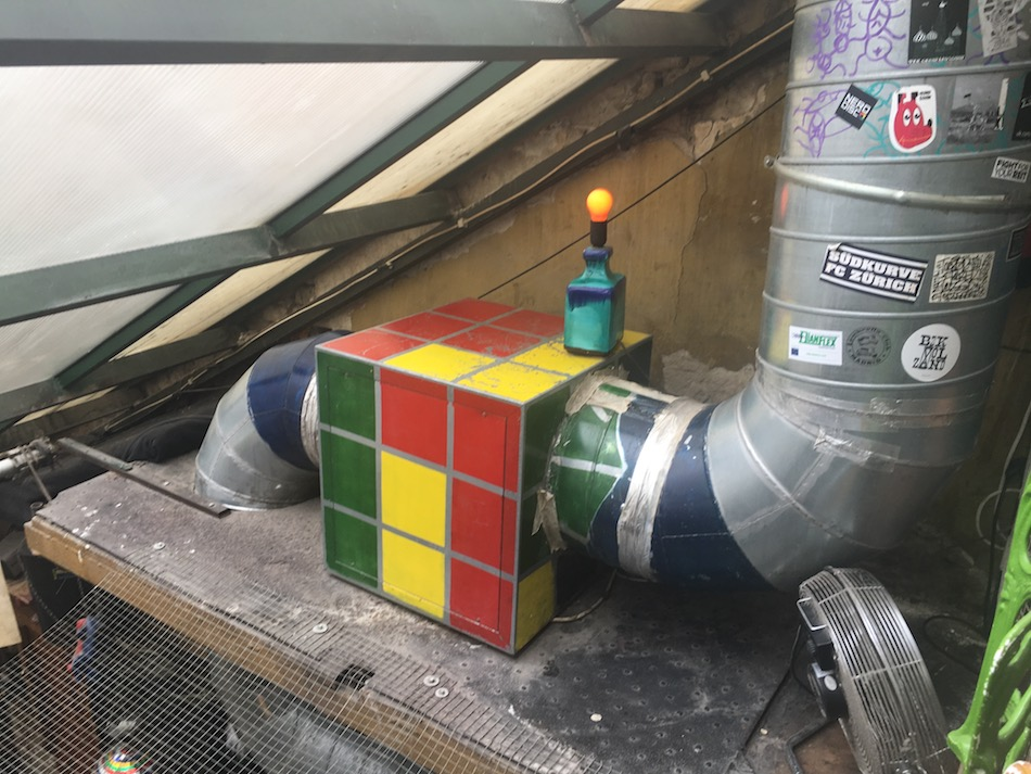 Rubiks Cube Budapest Ruin Bar Szimpla Kert