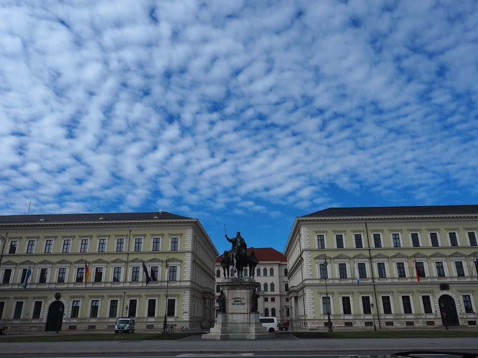 Things to do in Munich in the Winter, go to the Library