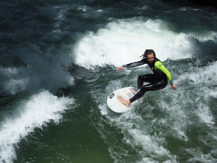 river surfers munich