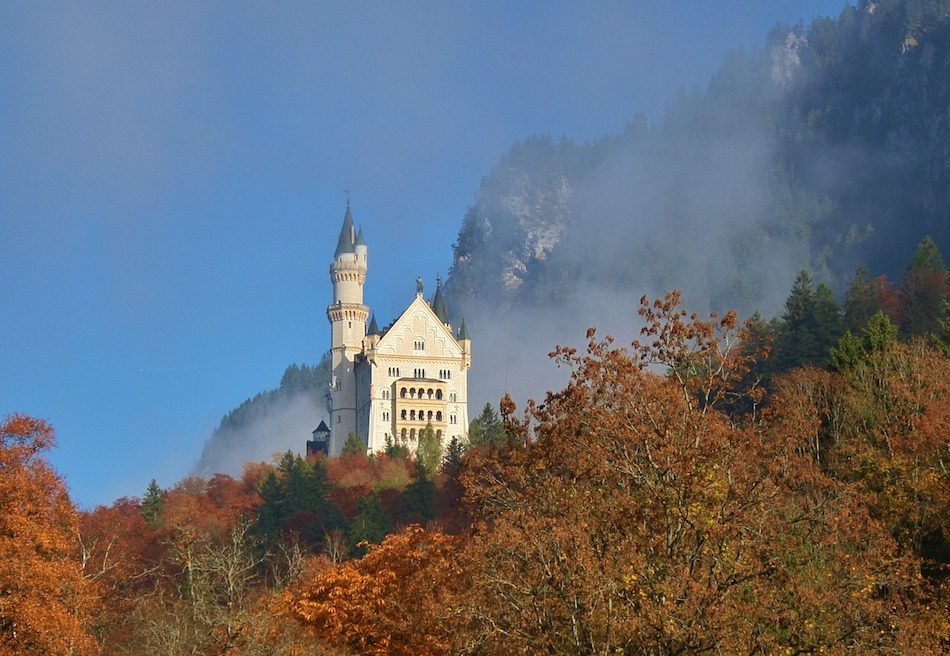 Neuschwanstein Castle autumn foliage