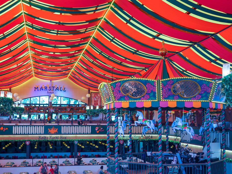 Marstall Tent Oktoberfest introvert guide