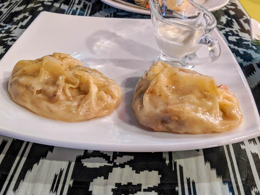 pumpkin dumplings vegetarian food in central asia