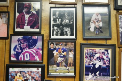 A wall dedicated to the sports stars who have eaten at Doe's E