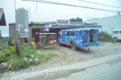 20110809_jeepney-getting-loaded-up
