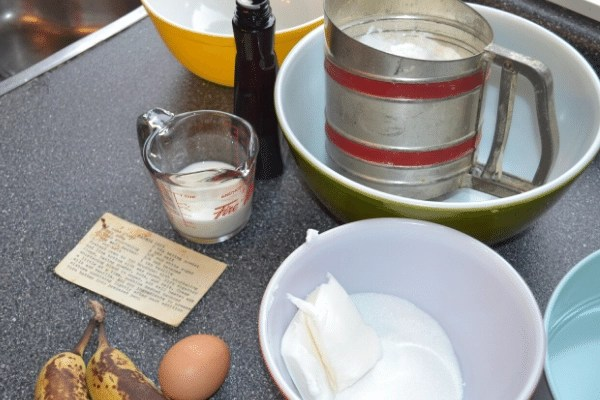 banana cake ingredients and equipment