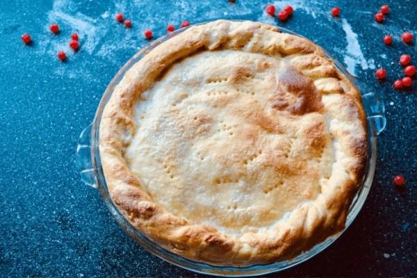 baked huckleberry pie