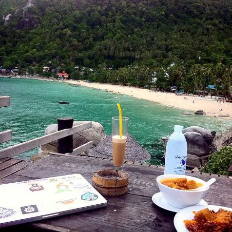 Laptop, Mocha Shake, Pumpkin Curry... Billion Dollar View... this is it, this is my happy place