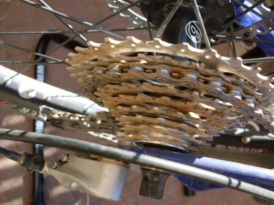 Use Simple Green instead of WD40 to get your chain and cassette clean!