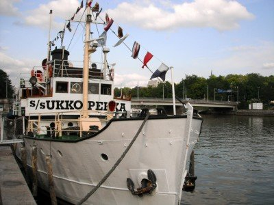 A ship-turned-restaurant (or ravintola in Finnish) on the Aura River in Turku, Finland.