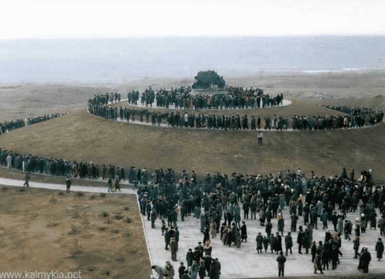 Elista's Exodus and Return Monument