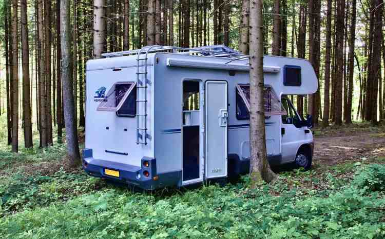 wild camping in France  free camping in France
