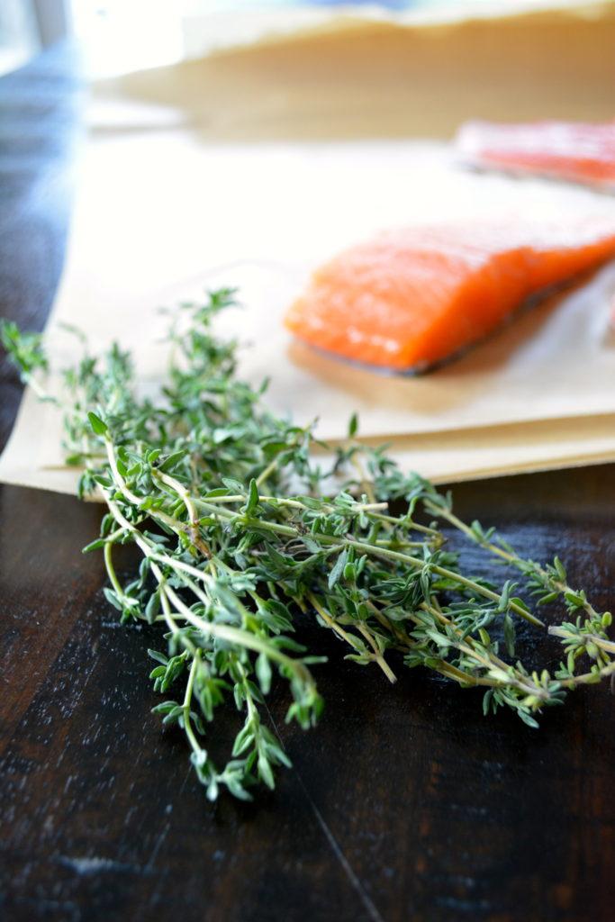 Salmon en Papillote - salmon filets with fresh thyme
