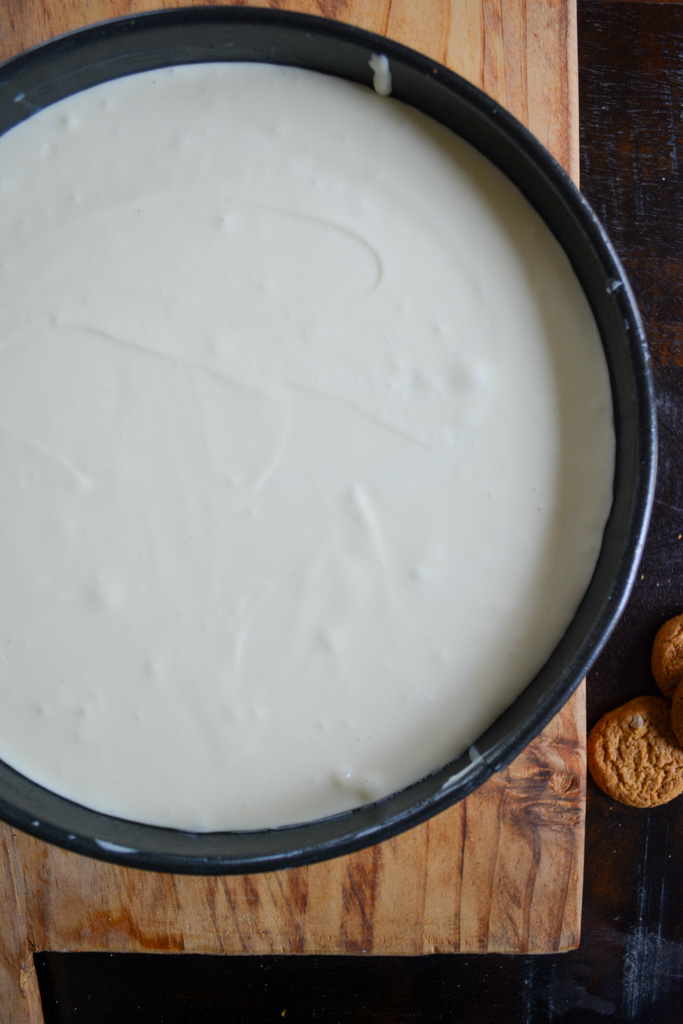 Cheesecake setting - Fig & Gingersnap Cheesecake