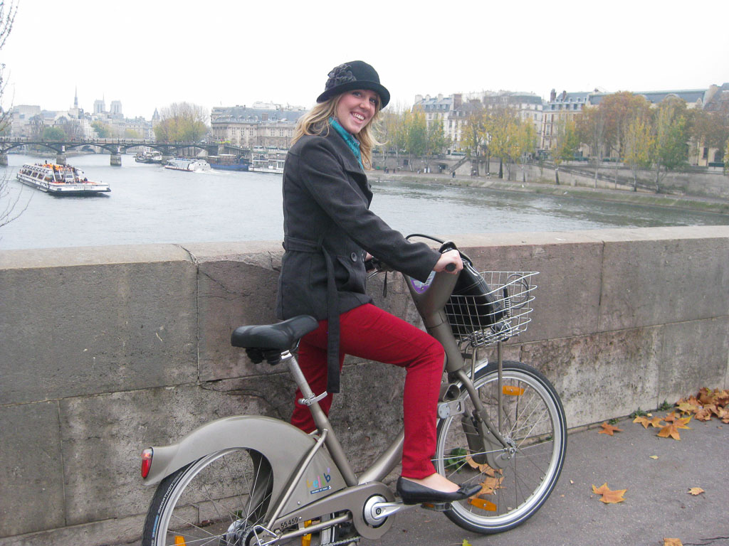 Comprehensive Guide to Paris:  Riding Velibs in Paris