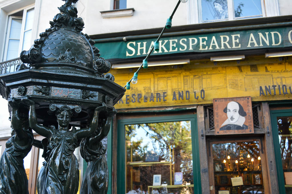 Comprehensive Guide to Paris:  Shakespeare and Co