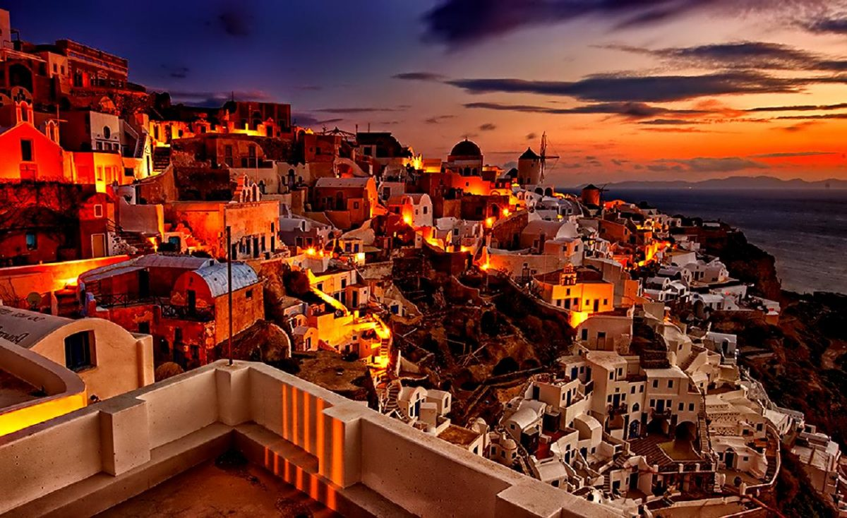 traveling to santorini popular attractions