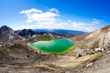 Tongariro Alpine Crossing Emerald Lake