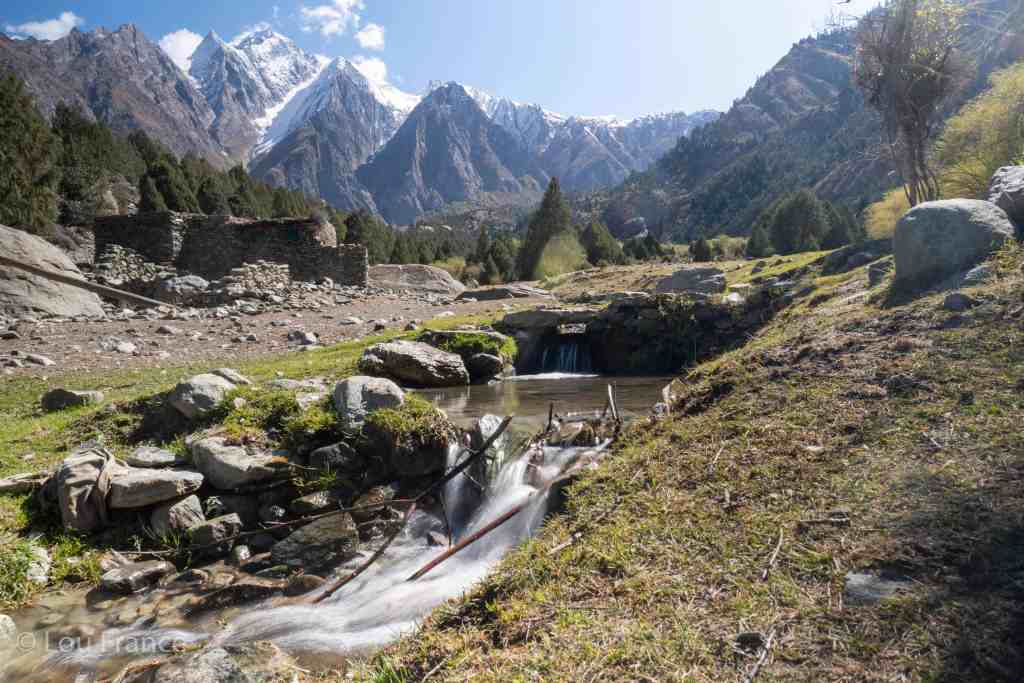 How to hike Rakaposhi Base Camp - stay at Hakapun Base Camp