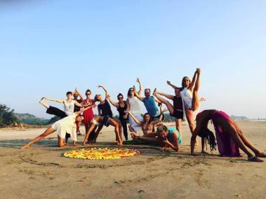 beach yoga group shot