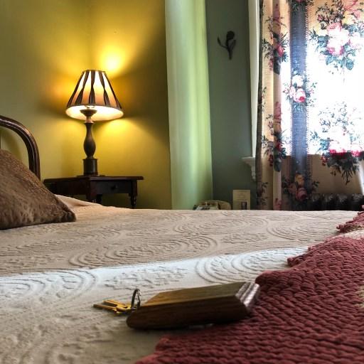 Tabard Inn Bed