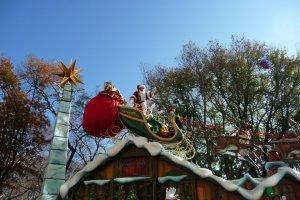 NYC Macys Thanksgiving Parade Santa