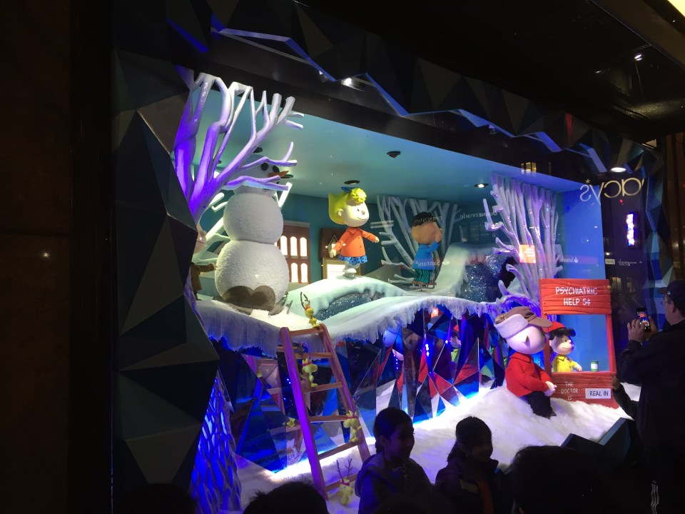 NYC Macys Window Peanuts 2