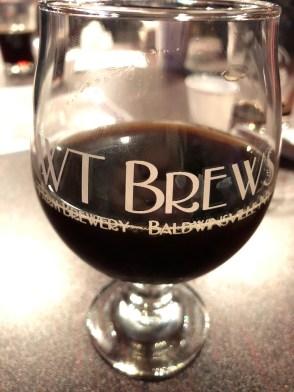 WT Brews Glass