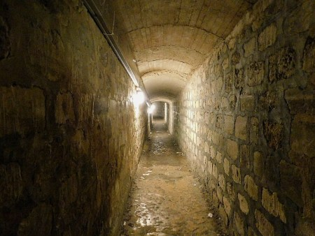 Paris Catacombs Tunnel - As Above So Below horror movie location
