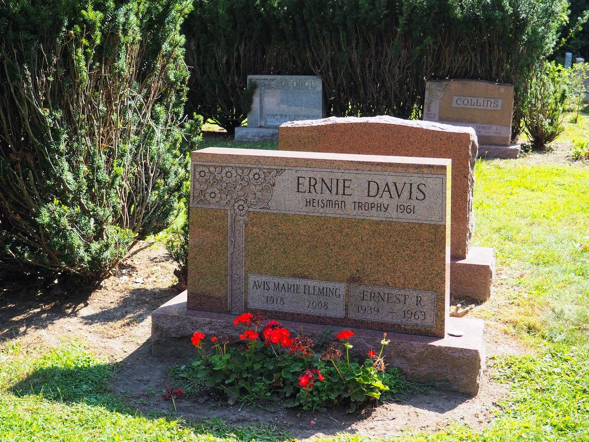 Ernie Davis Grave