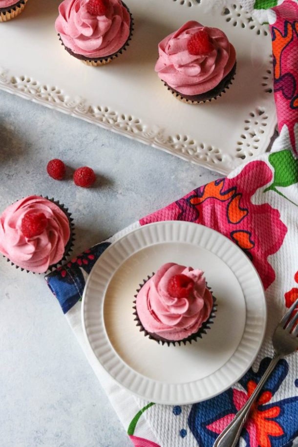 chocolate beetroot cupcake with raspberry buttercream