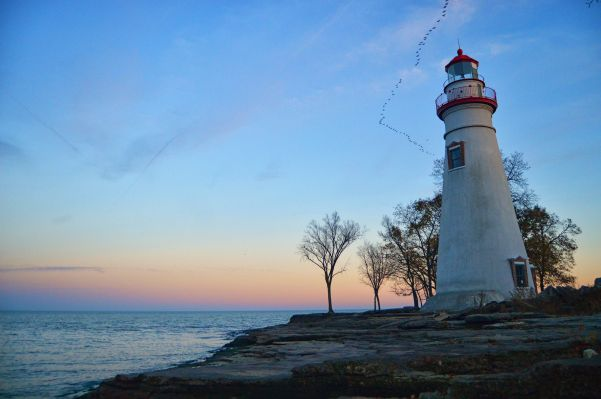 Marblehead Lighthouse best spots to watch sunset cleveland