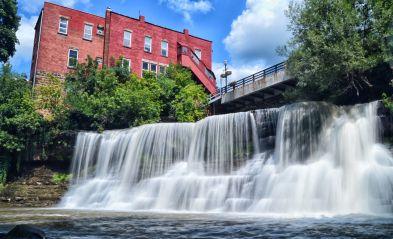 chagrin falls cleveland waterfall