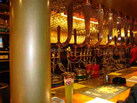 Delirium Cafe taps, Biggest beer selection in the world