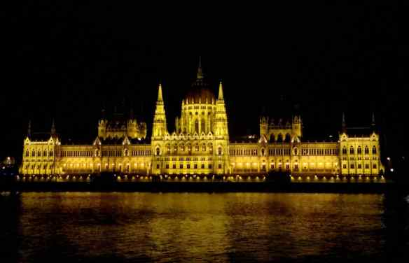 Parliament - Budapest at night