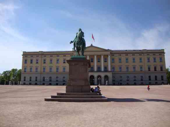 Oslo's Royal Palace is definitely worth a stroll and conveniently located in the city.