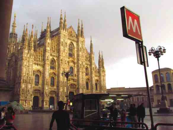 Milan Duomo Metro Stop