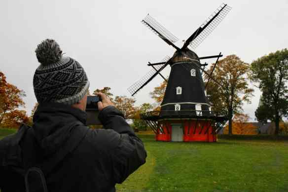 alex-and-windmill