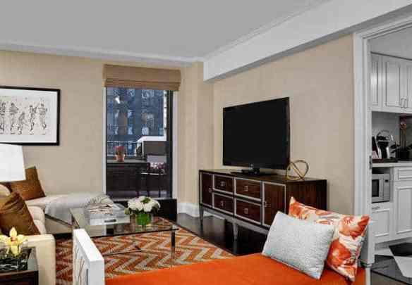 Lexington Hotel suite