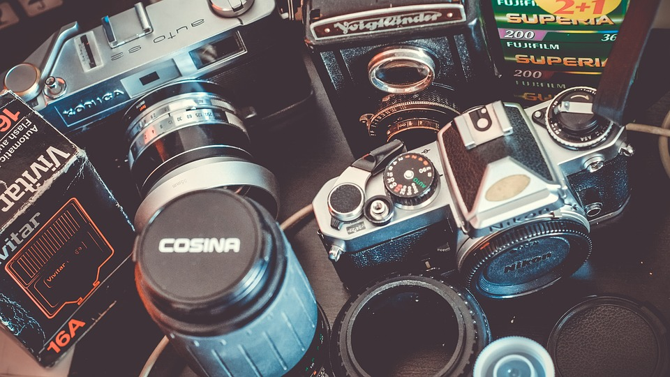 18 Essential Pieces of Gear for Traveling Photographers