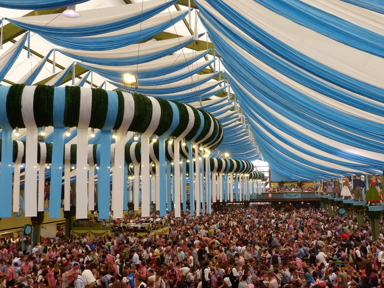 Oktoberfest in Munich.jpg