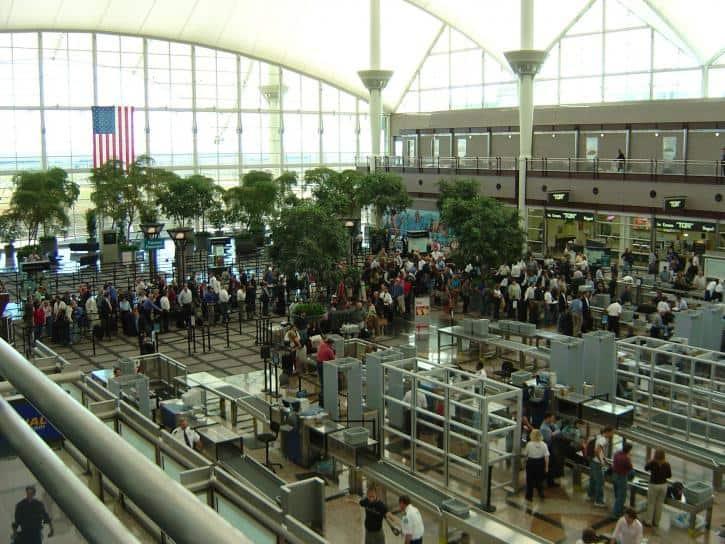 airport-security-lines-725x544.jpg