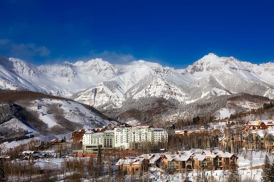 Colorado - Skiing.jpg